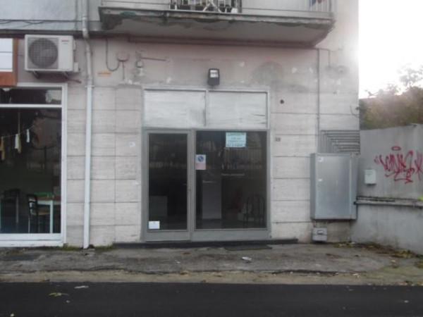 Negozio / Locale in affitto a Aversa, 1 locali, prezzo € 400 | Cambio Casa.it
