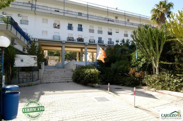 Negozio / Locale in affitto a Palermo, 9999 locali, prezzo € 400 | Cambio Casa.it