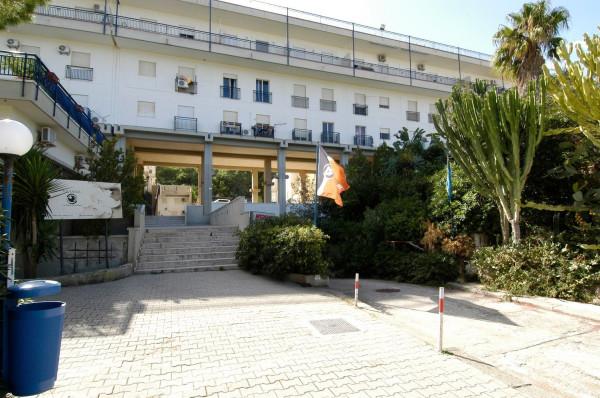 Negozio / Locale in affitto a Palermo, 9999 locali, prezzo € 500 | Cambio Casa.it
