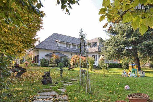 Casa indipendente in Vendita a Feletto Centro: 5 locali, 500 mq