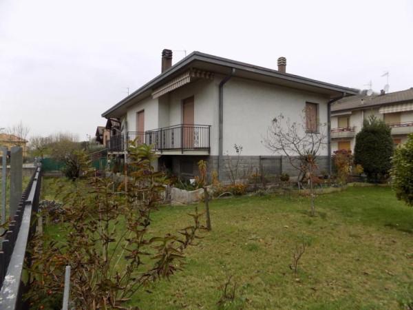 Villa in vendita a Bizzarone, 4 locali, prezzo € 398.000 | Cambio Casa.it