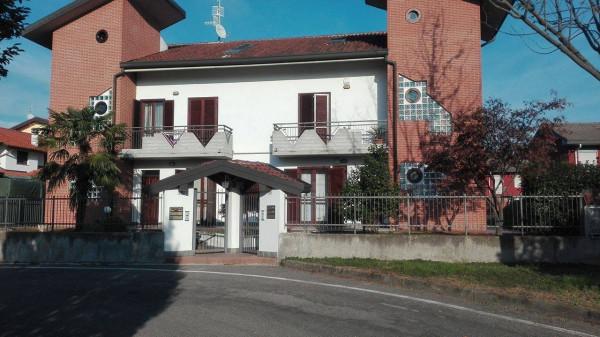 Appartamento in vendita a Gorla Minore, 3 locali, prezzo € 157.000 | Cambio Casa.it