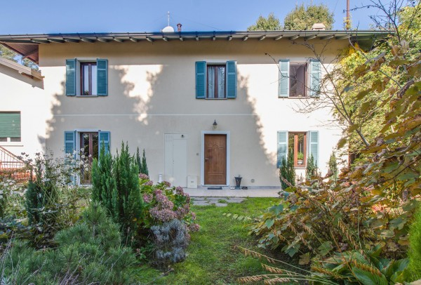 Villa in vendita a Ispra, 5 locali, prezzo € 318.000 | Cambio Casa.it