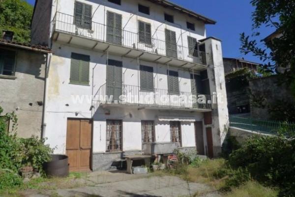 Casa indipendente in Vendita a Verbania Periferia: 4 locali, 200 mq