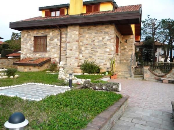 Villa in vendita a Cardano al Campo, 6 locali, prezzo € 350.000 | Cambio Casa.it