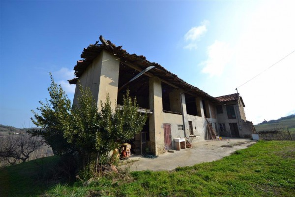 Rustico in Vendita a Lequio Berria Periferia: 5 locali, 250 mq