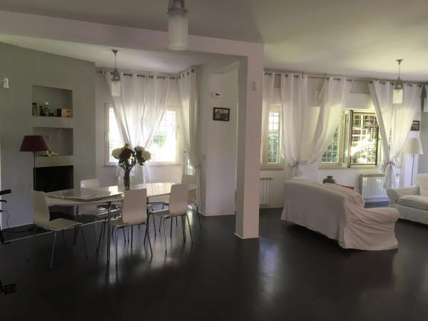 Villa in vendita a Fiumicino, 6 locali, prezzo € 580.000 | Cambio Casa.it