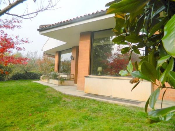 Villa in Vendita a Gassino Torinese Periferia: 5 locali, 354 mq