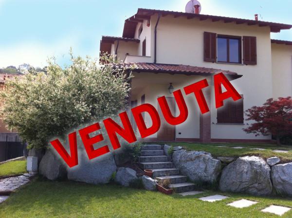 Villa in vendita a Azzate, 5 locali, prezzo € 375.000 | Cambio Casa.it