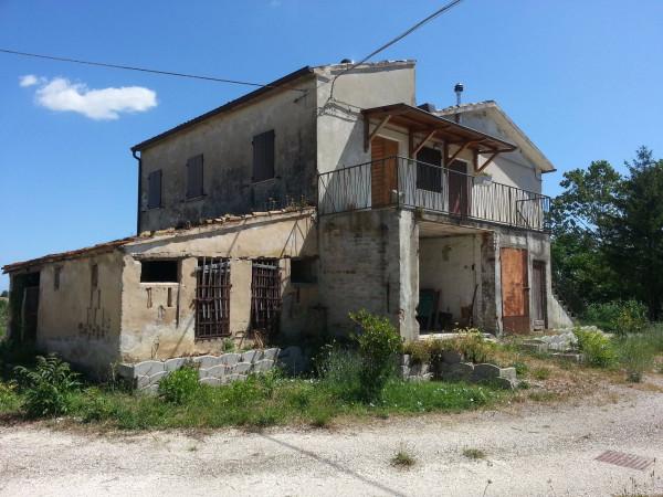 Rustico / Casale in vendita a Potenza Picena, 5 locali, prezzo € 145.000 | Cambio Casa.it