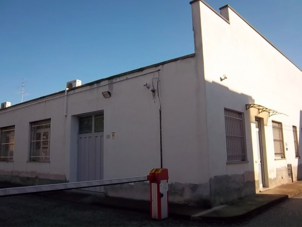 Laboratorio in vendita a Busto Arsizio, 1 locali, prezzo € 390.000 | Cambio Casa.it
