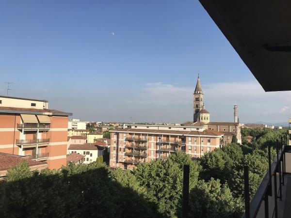 Appartamento in Vendita a Piacenza: 5 locali, 150 mq