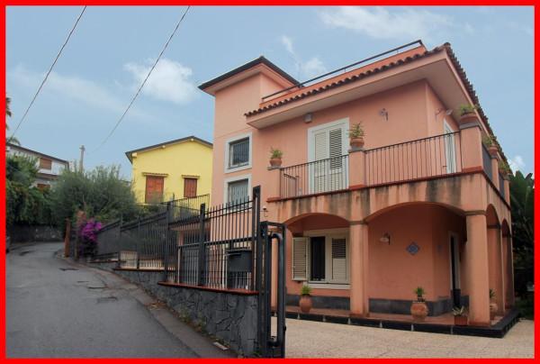 Villa in Vendita a Aci Castello