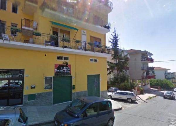 Negozio / Locale in affitto a Pontecagnano Faiano, 1 locali, prezzo € 350 | Cambio Casa.it