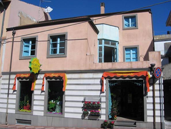 Immobile Commerciale in vendita a Dorgali, 6 locali, prezzo € 420.000 | Cambio Casa.it