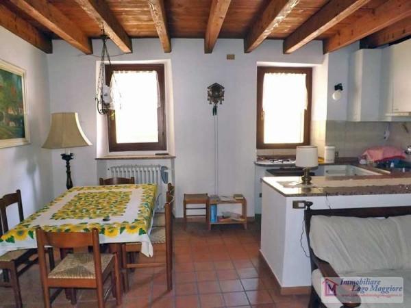 Appartamento in affitto a Taino, 3 locali, prezzo € 450 | Cambio Casa.it