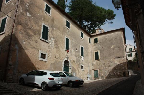 Palazzo in Vendita a Amelia Centro: 5 locali, 600 mq