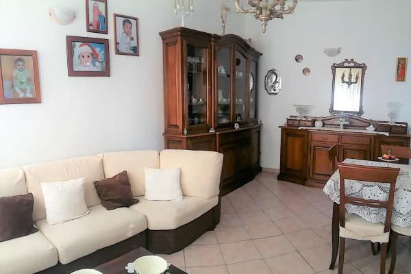 Appartamento in vendita a Lainate, 3 locali, prezzo € 110.000 | Cambio Casa.it
