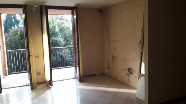 Appartamento in vendita a Paderno d'Adda, 3 locali, prezzo € 130.000 | Cambio Casa.it