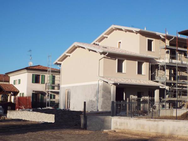 Villa in vendita a Isorella, 6 locali, prezzo € 220.000 | Cambio Casa.it