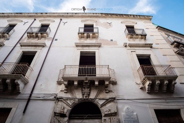 Palazzo / Stabile in vendita a Siracusa, 6 locali, prezzo € 1.800.000 | Cambio Casa.it