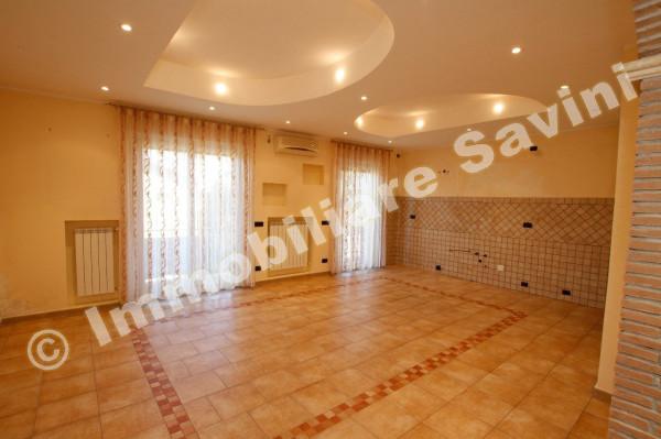 Appartamento in vendita a Lanuvio, 3 locali, prezzo € 150.000 | Cambio Casa.it