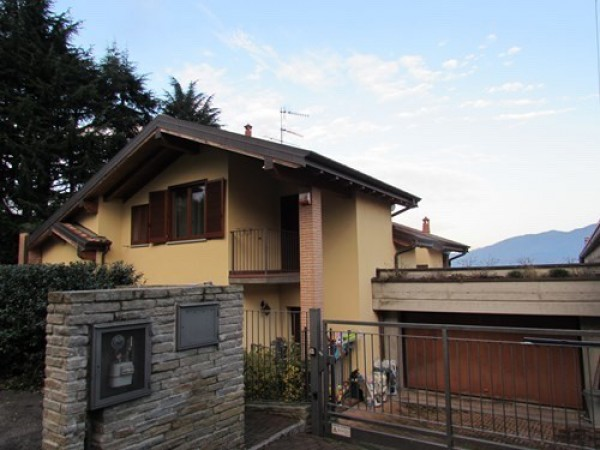Villa in affitto a Azzate, 5 locali, prezzo € 1.500 | Cambio Casa.it