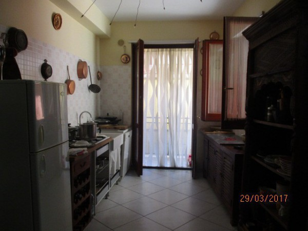 Appartamento in vendita a Mercato San Severino, 3 locali, prezzo € 52.000 | CambioCasa.it