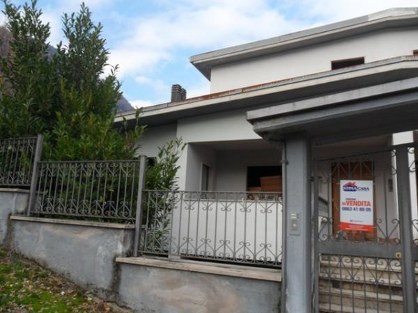 Villa in vendita a Luco dei Marsi, 9999 locali, prezzo € 60.000 | Cambio Casa.it