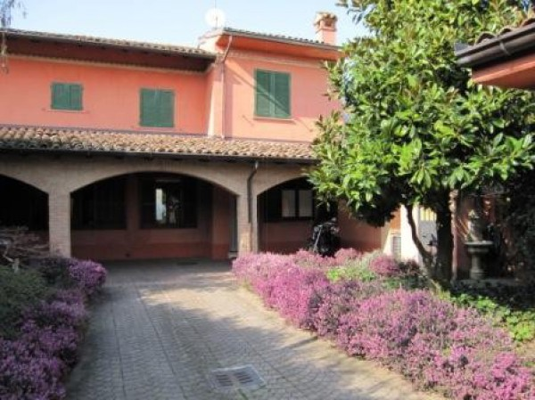 Rustico / Casale in vendita a Borghetto Lodigiano, 4 locali, prezzo € 230.000 | Cambio Casa.it