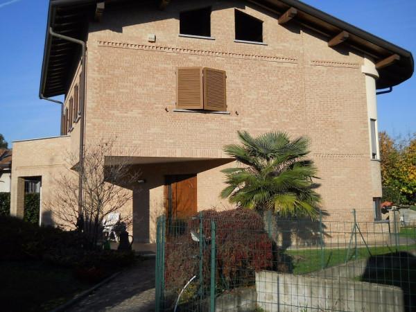 Villa in vendita a Cabiate, 5 locali, prezzo € 389.000 | CambioCasa.it