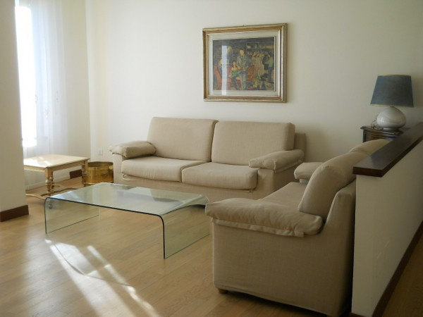Appartamento in affitto a Saronno, 3 locali, prezzo € 900 | Cambio Casa.it