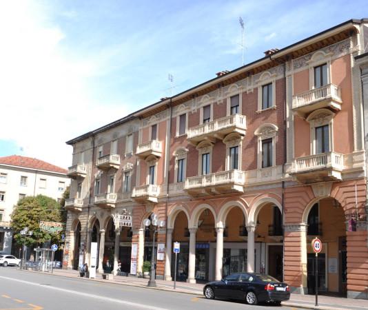 Ufficio / Studio in affitto a Cuneo, 2 locali, prezzo € 500 | Cambio Casa.it