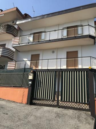 Appartamento in affitto a Montecorvino Pugliano, 6 locali, prezzo € 500 | Cambio Casa.it