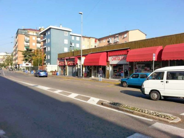 Negozio / Locale in vendita a Cesano Boscone, 2 locali, prezzo € 120.000 | Cambio Casa.it
