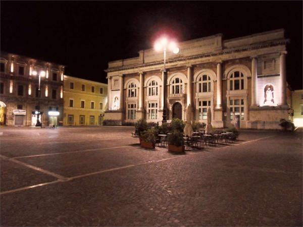 Ufficio / Studio in vendita a Pesaro, 5 locali, prezzo € 300.000 | Cambio Casa.it