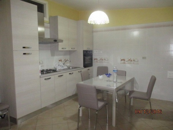 Appartamento in affitto a Mercato San Severino, 4 locali, prezzo € 550 | Cambio Casa.it