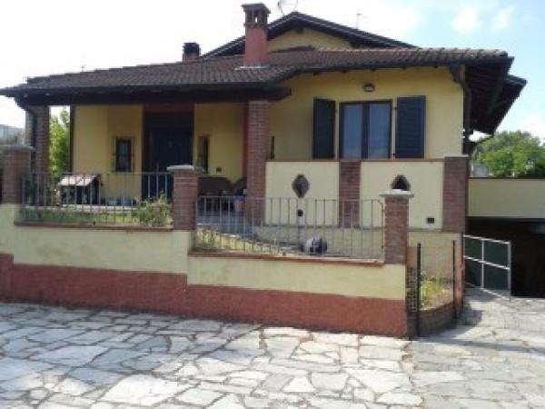 Villa in vendita a San Colombano al Lambro, 3 locali, prezzo € 165.000 | Cambio Casa.it