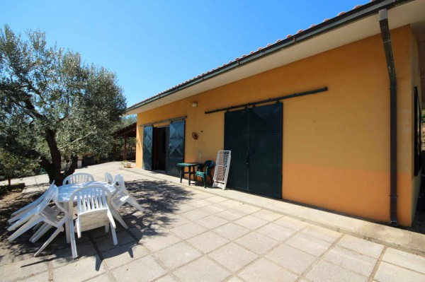Attività / Licenza in vendita a Castiglione della Pescaia, 3 locali, prezzo € 500.000 | CambioCasa.it