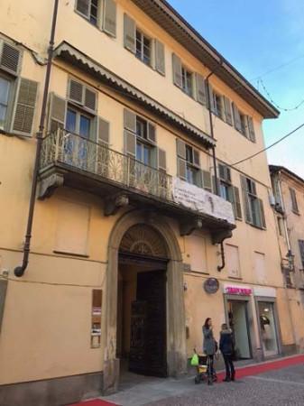 Appartamento in affitto a Bra, 6 locali, prezzo € 900 | Cambio Casa.it