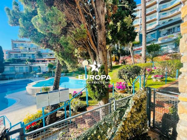 Appartamento in Vendita a San Remo Periferia Nord: 5 locali, 175 mq