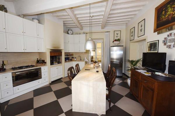 Appartamento in Vendita a Arezzo: 5 locali, 130 mq