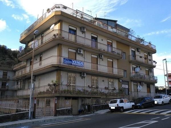 Appartamento in Vendita a Aci Catena Centro: 5 locali, 138 mq
