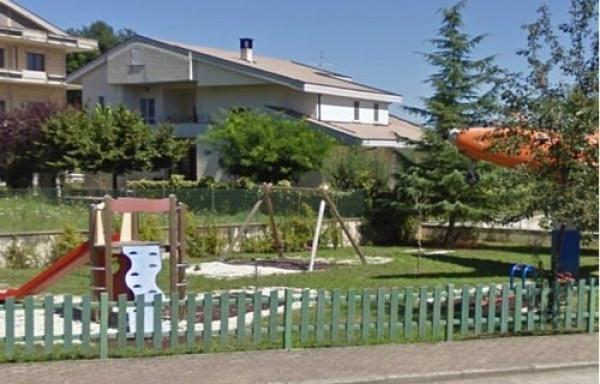 Villa in vendita a Colledara, 6 locali, prezzo € 205.000 | Cambio Casa.it