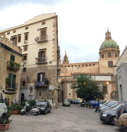Appartamento in Vendita a Palermo Centro: 5 locali, 150 mq