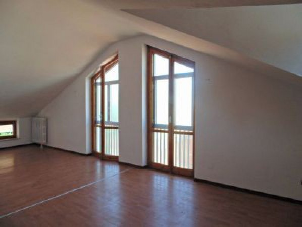Attico / Mansarda in affitto a Castagnole delle Lanze, 2 locali, prezzo € 280 | Cambio Casa.it