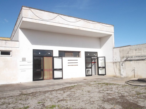 Capannone in affitto a Carmiano, 4 locali, Trattative riservate | Cambio Casa.it