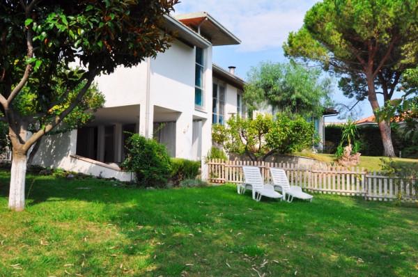 Villa in Vendita a San Remo Semicentro: 5 locali, 500 mq