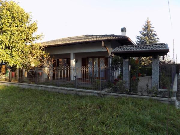 Villa in vendita a Solbiate, 4 locali, prezzo € 315.000 | Cambio Casa.it