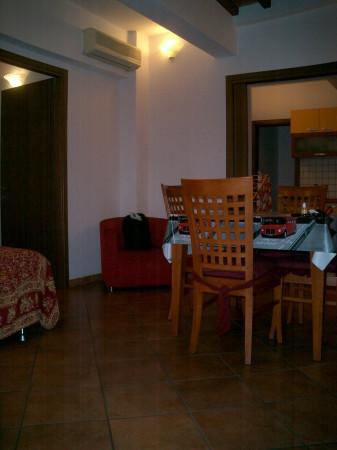 Appartamento in affitto a Agliana, 2 locali, prezzo € 500   Cambio Casa.it